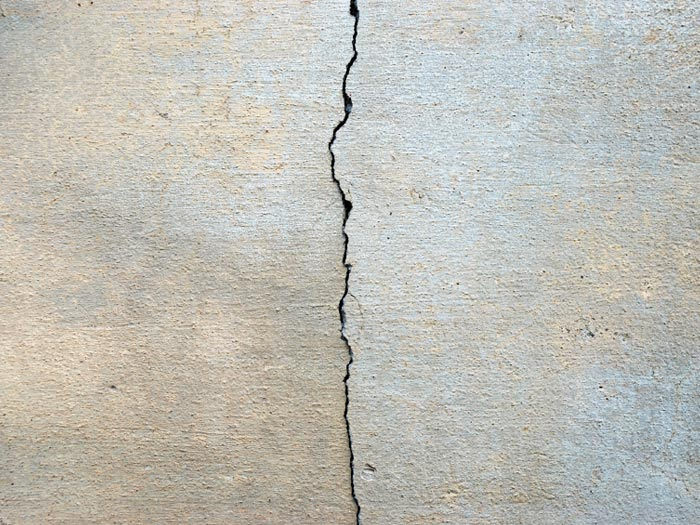 how to fix a crack in concrete foundation wall