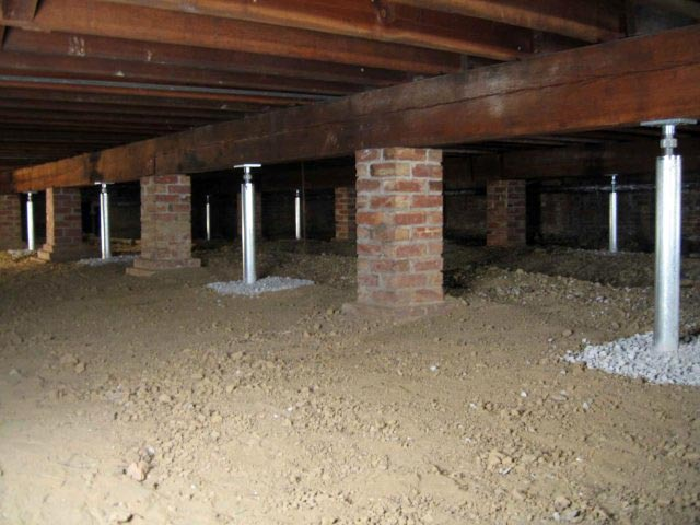 Crawl space jacks installed by authorized foundation Crawl space flooring