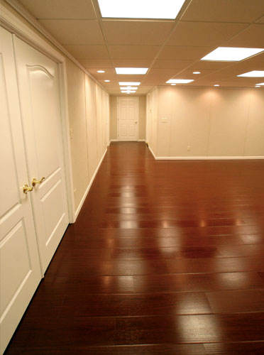 Superbe An Installation Of A Synthetic Wood Flooring System In A Home; Synthetic Wood  Basement ...