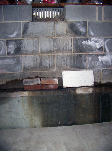 Crawl Space Vent : Moisture humidity in the crawl space