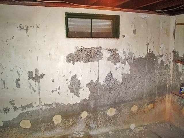 Reasons To Use The Water Sealant Paint For Basement Waterproof paint falling off all areas of a concrete wall.